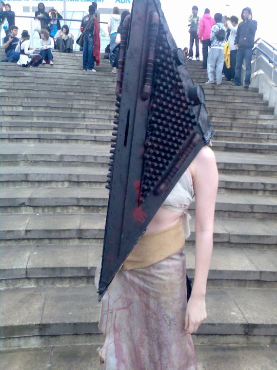how to make a pyramid head costume