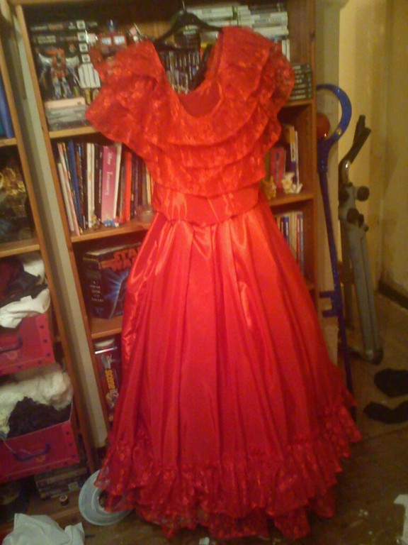 Cosplay island view costume lozzie lydia deetz for Lydia deetz wedding dress