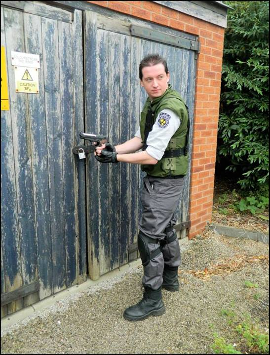 Cosplay Island View Costume Dysc Chris Redfield